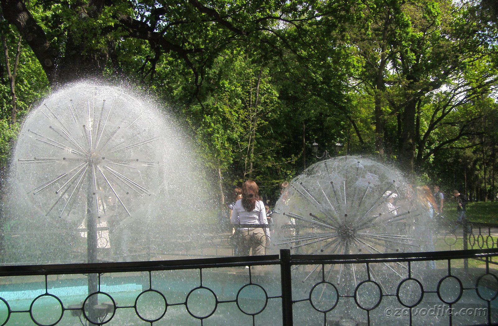 Харьков, Площадь свободы, парк имени Шевченко
