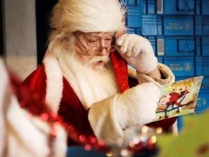 Ребенок и письмо к Деду Морозу