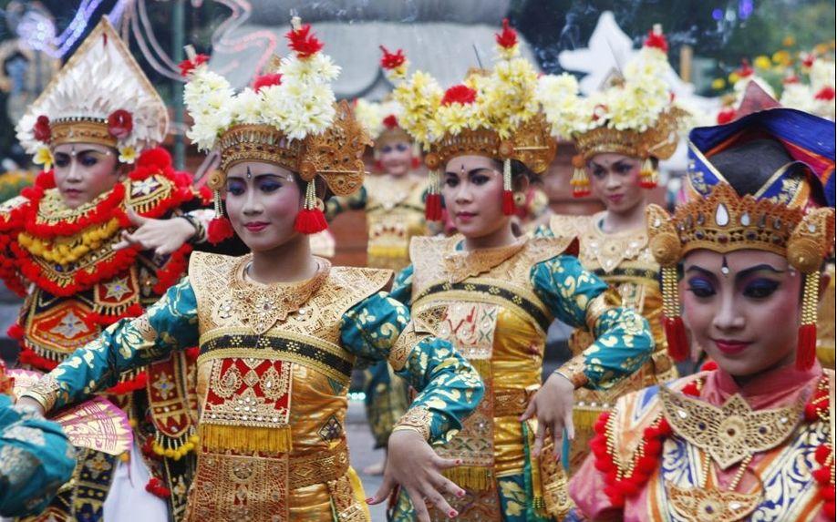 Самые необычные новогодние традиции Индонезия