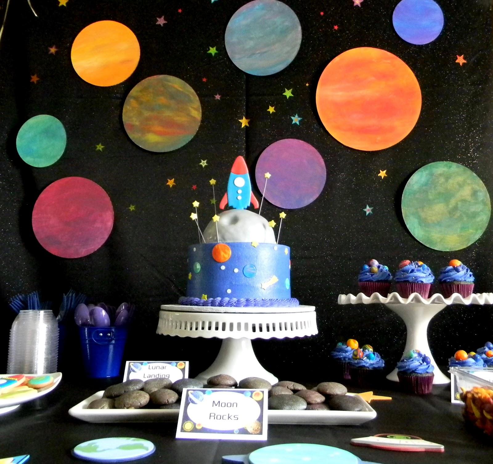 Космическая вечеринка, сценарий, оформление, конкурсы, наряды, дресс-код