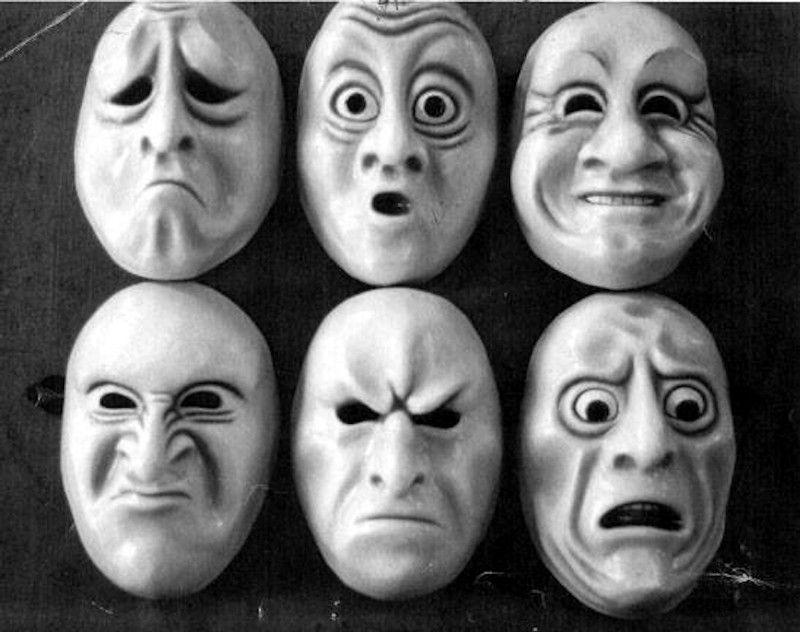 Как научиться «читать» людей по их мимике и жестам