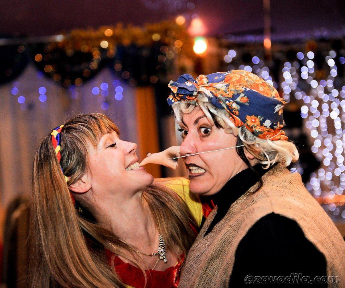 Поздравление женщине 30 лет костюмированное