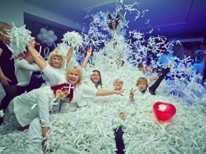 бумажная вечеринка, сценарий, меню, конкурсы, оформление