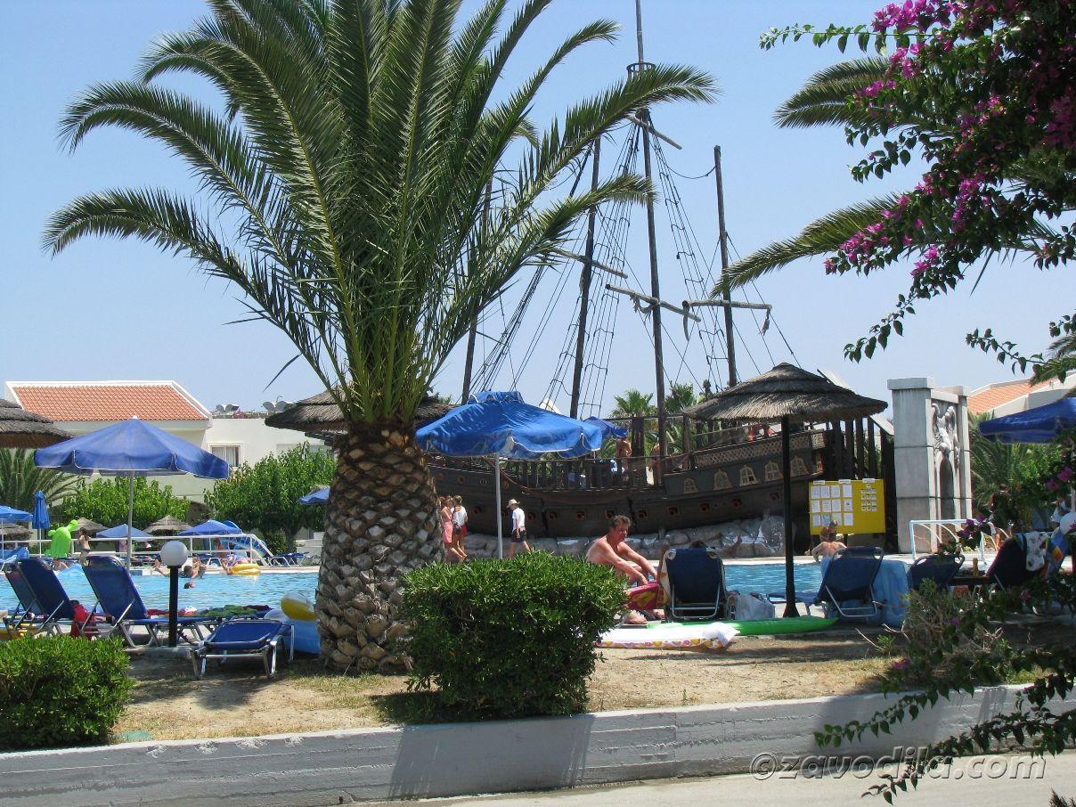 Путешествие на остров Кос с полным погружением, часть 2: антивечеринки, деревня бассейнов и сокровище Гиппократа