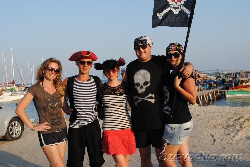 Пиратская вечеринка на яхте, фото