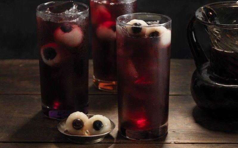 5 крутых рецептов коктейлей на Хэллоуин