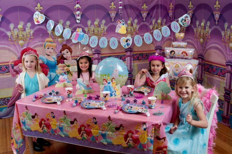 День рождения в стиле принцессы: оформление и сценарий
